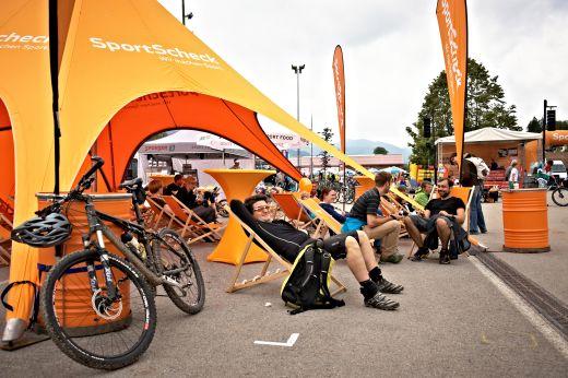Die Entspannung durfte am MTB Festival von SportScheck am Tegernsee natürlich auch nicht zu kurz kommen. Fotocredit: Tom Gonsior