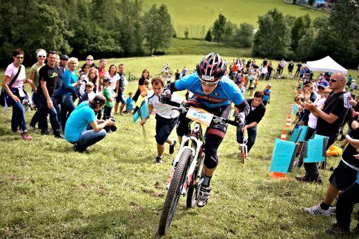 Der MTB Hillclimb im Rahmen des SportScheck MountainBIKE Festivals gehörte zu den spektakulärsten Wettkämpfen. Fotocredit: Tom Gonsior