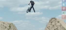Dirt Biker Simon Moratz und das neue Sony Xperia™ Z